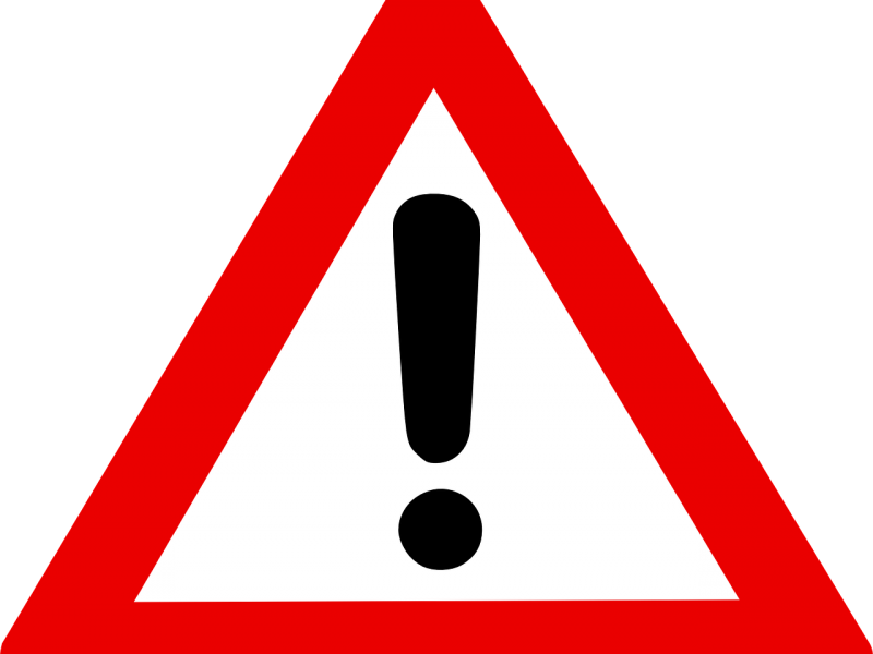 znak czerwonego trójkąta z wykrzyknikiem