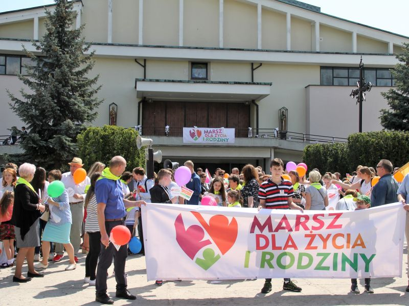 Marsz dla Życia i Rodziny przeszedł ulicami Tomaszowa