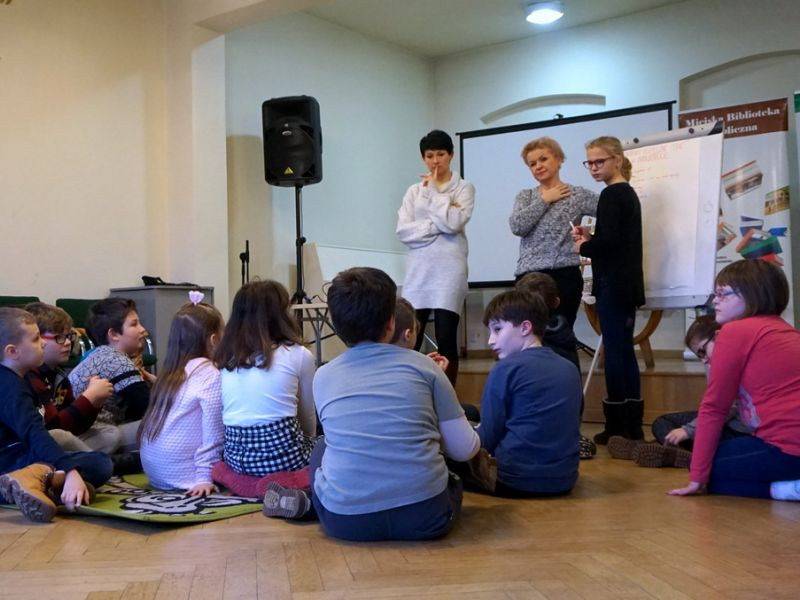 dzieci, Miejska Biblioteka Publiczna, ferie w grupie, zabawa, nauka