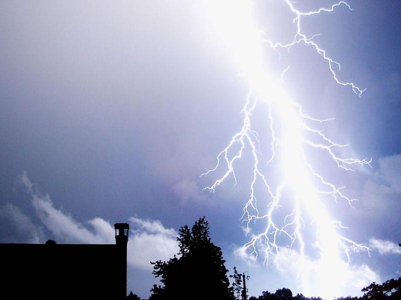 Uwaga! Mogą wystąpić burze z opadami deszczu