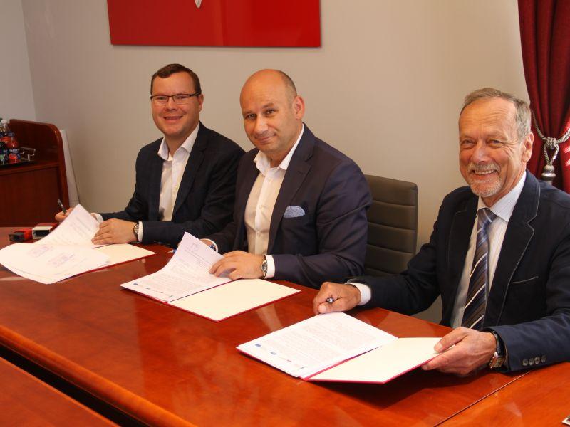 Przystań: umowa na modernizacje podpisana!