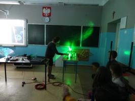 Fizyka pasją uczniów z Dwunastki