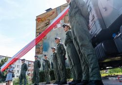 Nowy mural i piknik wojskowy w Tomaszowie