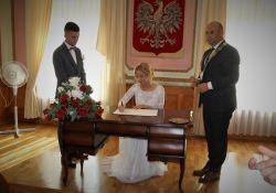 Prezydent miasta udzielił ślubu trzem młodym parom